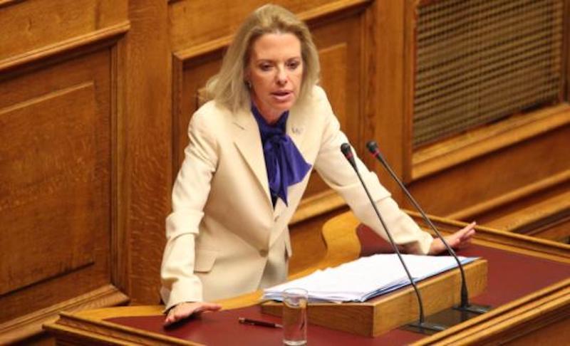 Αποσυμφόρηση των νησιών ζητά η Ελίζα Βόζεμπεργκ