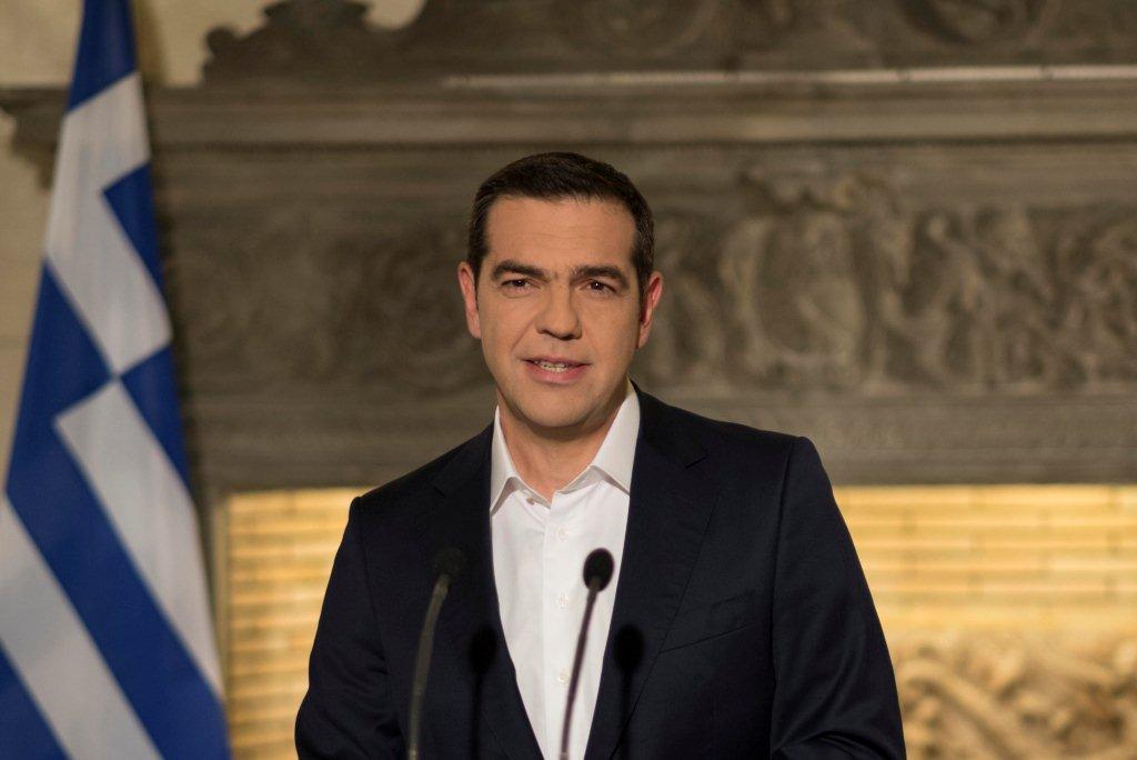 Στον Τσίπρα εναποθέτουν οι βουλευτές τις ελπίδες για τον ΦΠΑ