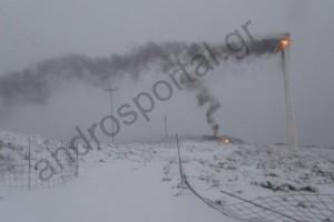 Κεραυνός, εν μέσω χιονιά, κτύπησε ανεμογεννήτρια στην Άνδρο!