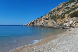 Drone πετά πάνω από τα Βρουλίδια, την νοτιότερη παραλία της Χίου